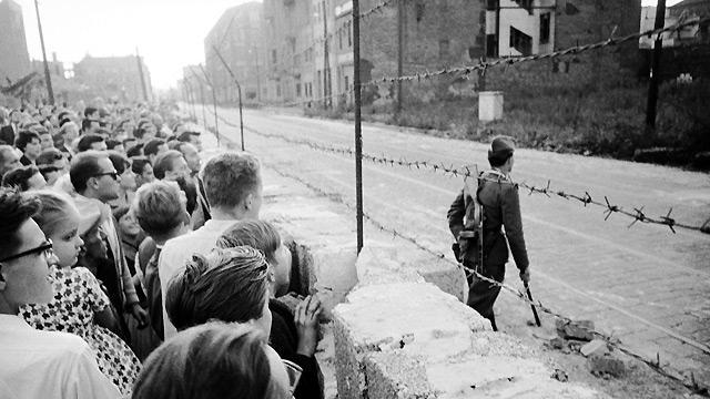 من فورين بوليسي: الألمان والشيوعية ونزعة الاحتيال