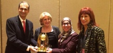 المنظمة العالمية للأسرة تكرّم أم الإمارات