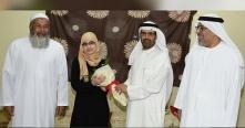 أم الإمارات تهنئ السورية هاجر القطيفان وتتكفل بعلاج والديها
