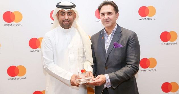 الأهلي يفوز بجائزة أول بنك في السعودية يطبق خدمة ماسترباس