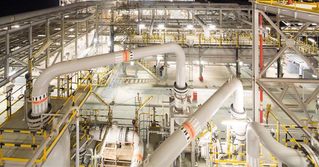 أدنوك تمدد اتفاقية توريد الغاز المسال لثلاثة شركاء حتى 2040