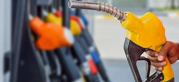 الحكومة تطلب معالجة سلبيات توزيع المشتقات النفطية