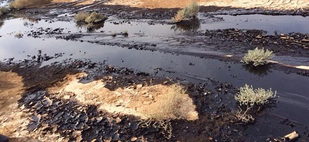 مسؤول يحذر من التلوث الناجم عن النفط في المحافظات الشرقية