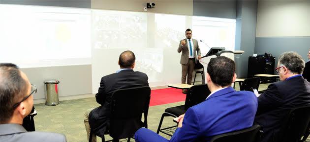 رئيس تحرير هارفارد بزنس ريفيو العربية يتحدث إلى أساتذة كلية إدارة الأعمال في جامعة أبوظبي