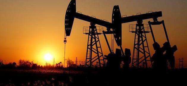 تراجع أسعار النفط 1% بعد زيادة مخزونات الخام الأميركية