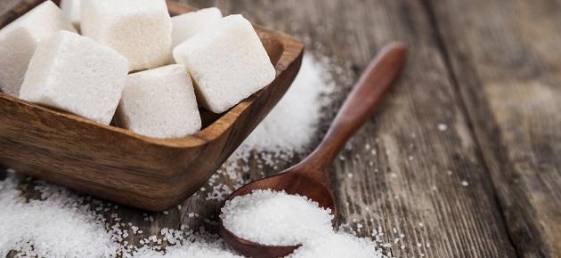 مصادر: توقيف مدراء في السورية للتجارة للتحقيق بسرقة آلاف الأطنان من السكر