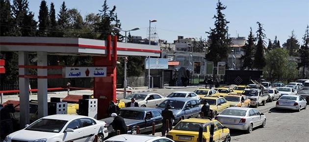 طوابير البنزين تخلق فرصاً للعمل في دمشق